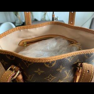 Louis Vuitton Bags - Louis Vuitton Bucket Gm